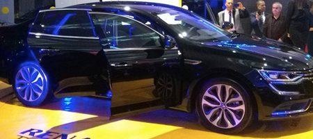 ARTES Tunisie lance la Renault Talisman avec capteurs de lignes blanches sur les routes pour le guidage automatique